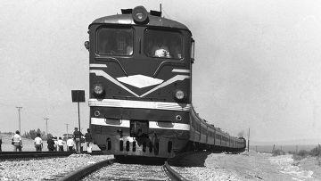Первый поезд на новом участке дороги