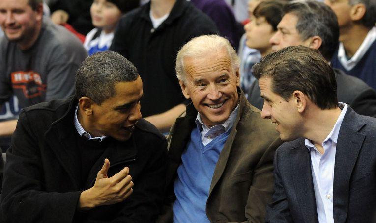 Президент США Барак Обама, вице-президент Джо Байден и его сын Хантер Байден