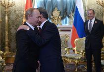 Владимир Путин и президент Киргизии Алмазбек Атамбаев во время двусторонней встречи в Кремле