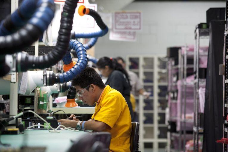 Сотрудники корпорации Spellman High Voltage, Мексика