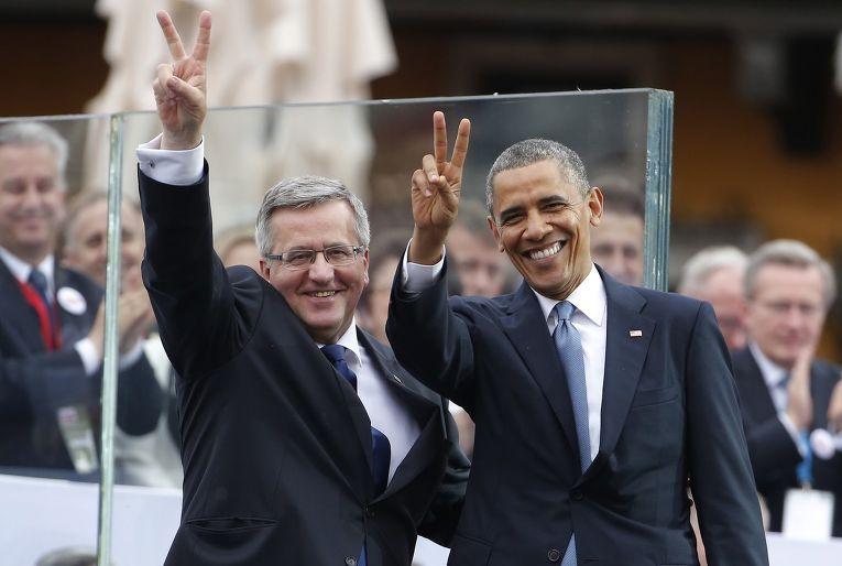 Барак Обама с президентом Польши Брониславом Коморовским во время визита в Варшаву