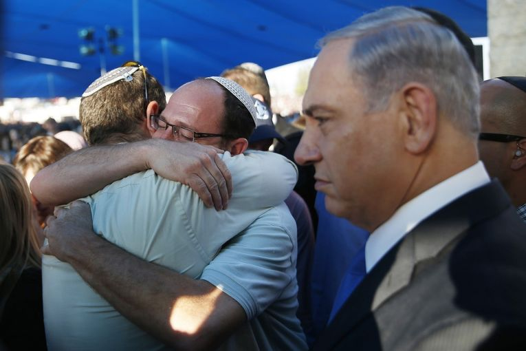 Биньямин Нетаньяху на похоронах израильских подростков, убитых на западном берегу реки Иордан