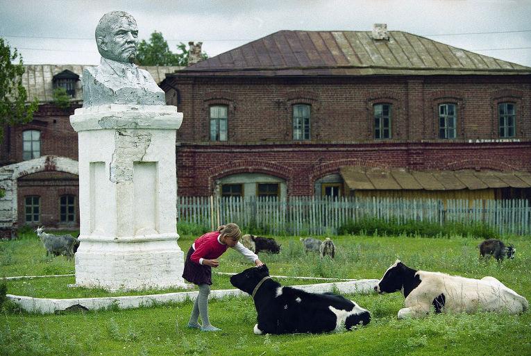 Бюст Ленину в городе Свияжск
