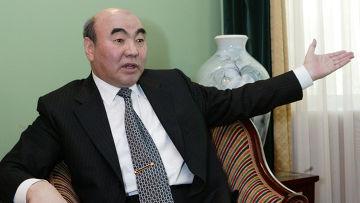 Первый президент Киргизии Аскар Акаев