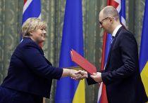 Премьер-министр Норвегии Эрна Солберг во время визита в Киев