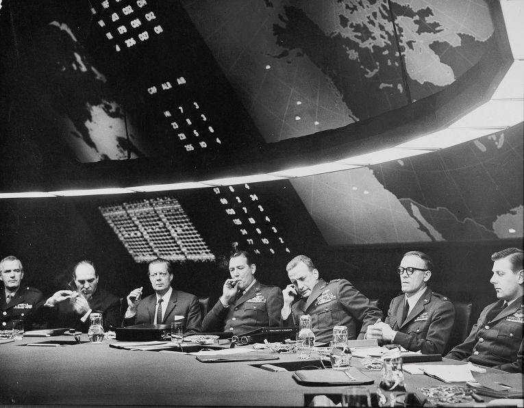 Кадр из фильма «Доктор Стрейнджлав, или Как я научился не волноваться и полюбил атомную бомбу»