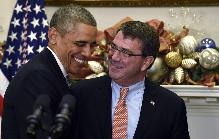Барак Обама и кандидат на должность министра обороны Эштон Картер