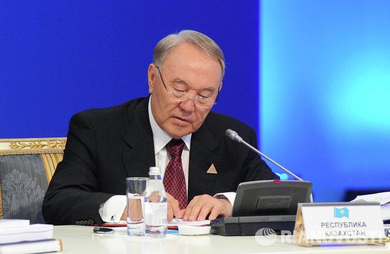 Президент Казахстана Нурсултан Назарбаев на заседании Высшего Евразийского экономического совета в Астане