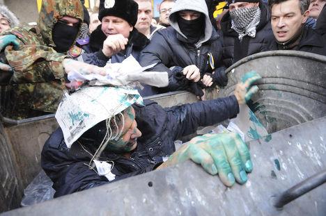Депутат Харьковского горсовета Владимир Скоробагач стал жертвой «мусорной люстрации»