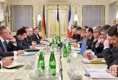 Встреча президента Франции Франсуа Олланда, президента Украины Петра Порошенко и канцлера Германии Ангелы Меркель в Киеве