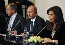 Владимир Путин (в центре) и президент Аргентины Кристина Фернандес де Киршнер