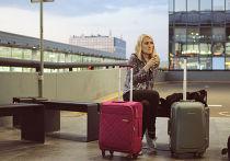 Девушка в аэропорту имени Вацлава Гавела в Праге