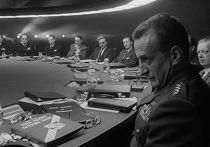 Кадр из фильма «Доктор Стрейнджлав, или Как я перестал бояться и полюбил бомбу»