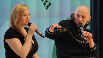 Светлана Курицына и режиссёр Александр Расторгуев на показе фильма «Я тебя не люблю»