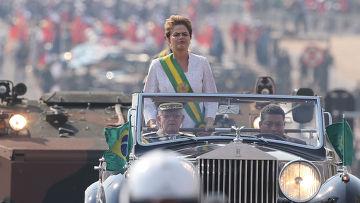 Президент Дилма Русеф во время празднования Дня независимости Бразилии