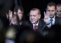 Президент Турции Реджеп Тайип Эрдоган во время визита во Францию