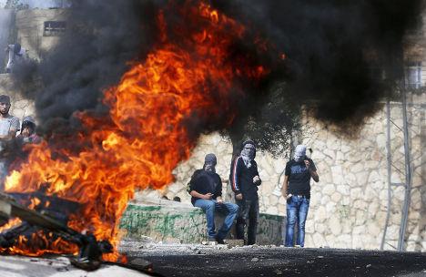 Столкновения палестинцев с полицией в деревне Сур-Бахер в пригороде Восточного Иерусалима
