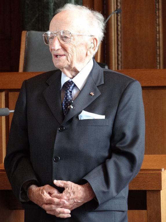 Бенджамин Ференц
