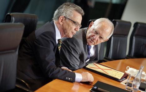 Министр финансов ФРГ Вольфганг Шойбле и министр внутренних дел Томас де Мезьер