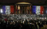Акция, посвященная памяти погибших в парижских терактах, на Трафальгарской площади в Лондоне