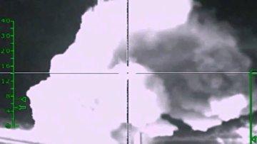 Самолеты российских Воздушно-космических сил нанесли авиационный удар по мосту рядом с городом Ракка, контролируемым боевиками