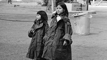 Лагерь для вьетнамских беженцев на военно-морской базе в Южной Калифорнии, 1975 год