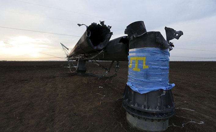 Поврежденная линия электропередачи в Крыму