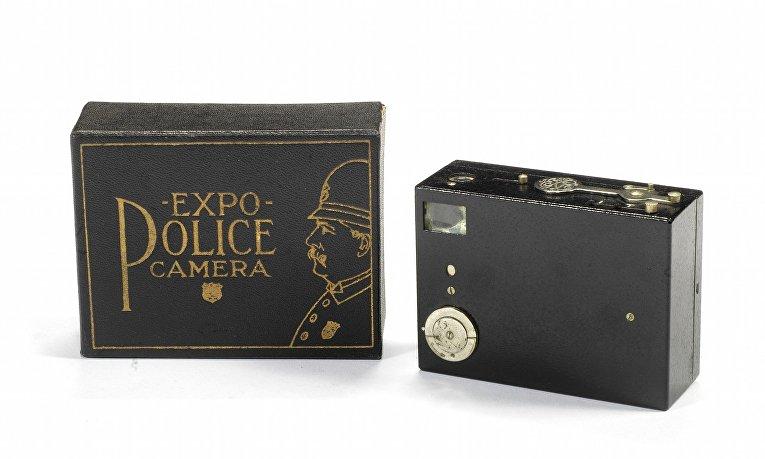 Редкие камеры аукциона Bonhams: камера Expo Police