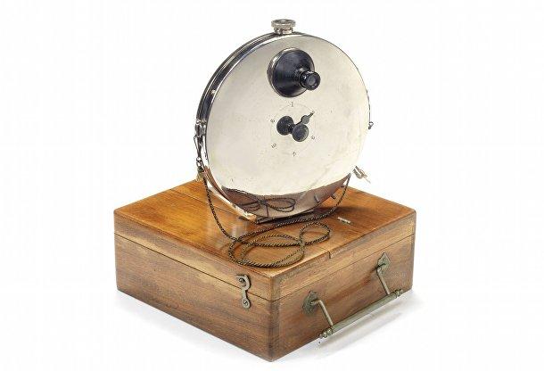 Редкие камеры аукциона Bonhams: камера для скрытого бронежилета