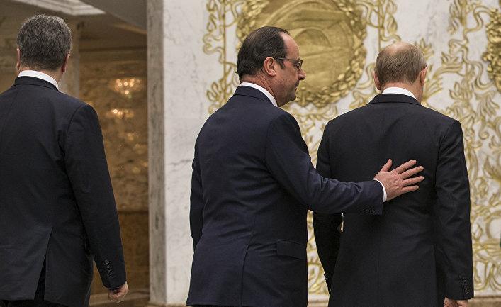 Петр Порошенко, Франсуа Олланд и Владимир Путин во время встречи в Минске