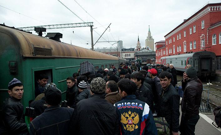 Пассажиры поезда «Москва-Душанбе»