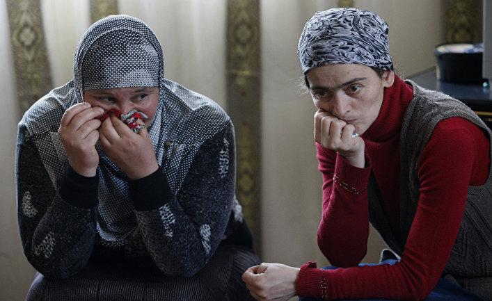 Родственницы Муслима Куштанашвили из поселка Дуиси в Панкисском ущелье, уехавшего воевать в Сирию в составе «Исламского государства»