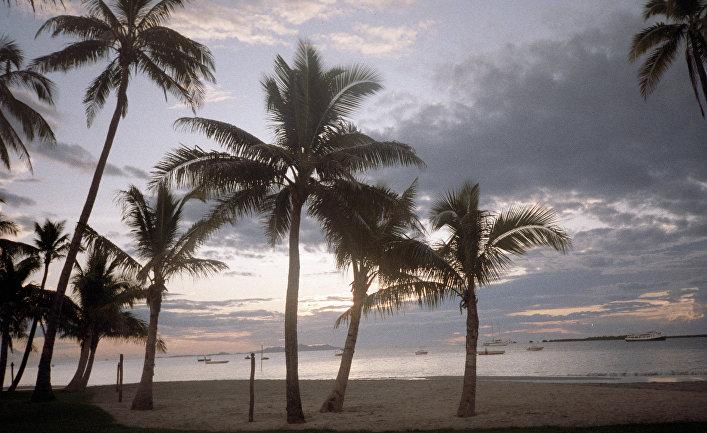 Песчаный пляж. Фиджи. Архив
