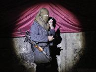 Девушка — боец вооруженных отрядов Рабочей партии Курдистана