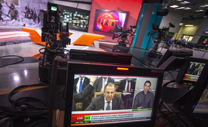 Ньюсрум телеканала Russia Today во время прямого эфира на английском языке