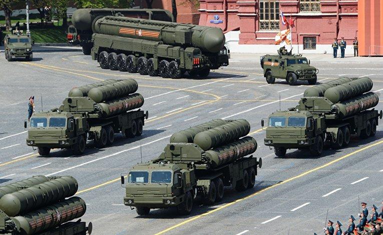 """Зенитные ракетные комплексы С-400 """"Триумф"""" во время Парада Победы"""