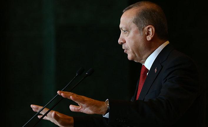 Президент Турции Реджеп Тайип Эрдоган на встрече с послами в Анкаре