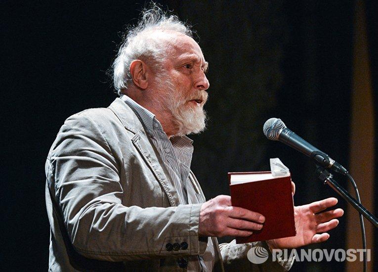 Торжественный вечер в честь 100-летнего юбилея поэта К.Симонова