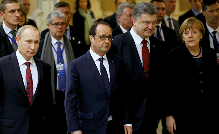 Владимир Путин, Франсуа Олланд, Петр Порошенко и Ангела Меркель во время встречи в Минске