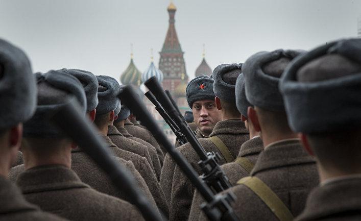 Парад в честь 73-й годовщины военного парада 7 ноября 1941 года
