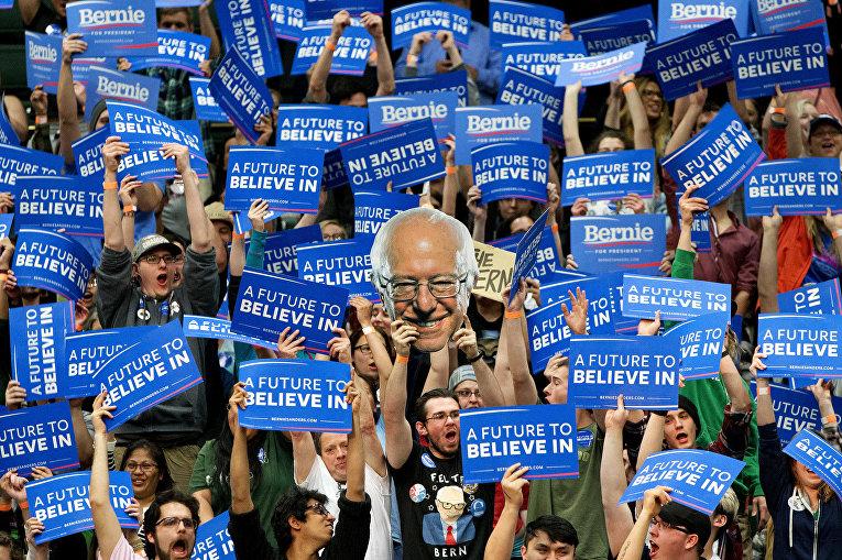 Сторонники кандидата в президенты США демократа Берни Сандерса в Денвере, штат Колорадо