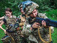 Женщины, бойцы ультраправой украинской партии «Правый сектор»