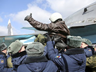 Встреча пилота ВКС России, вернувшегося из Сирии, на аэродроме под Воронежем
