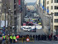 Зона безопасности на улице возле метро, где произошел взрыв