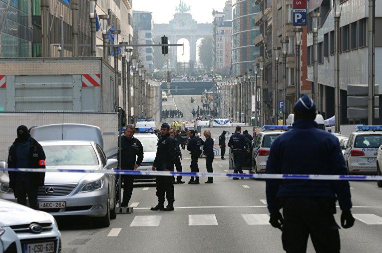 Полиция оцепила периметр возле станции метро Мальбек в Брюсселе