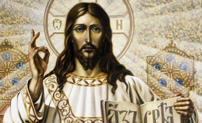 Фигура Спасителя в барабане храма Христа Спасителя