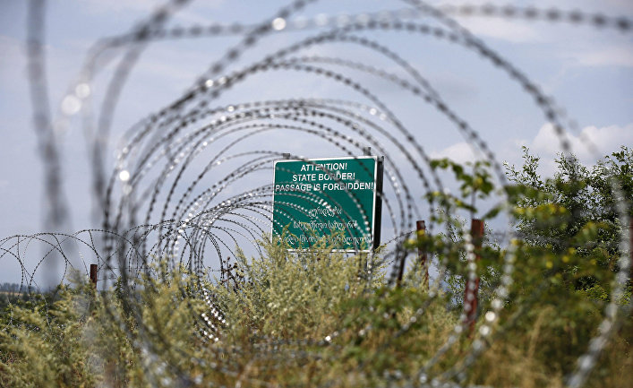 Колючая проволока на границе Грузии и Южной Осетии