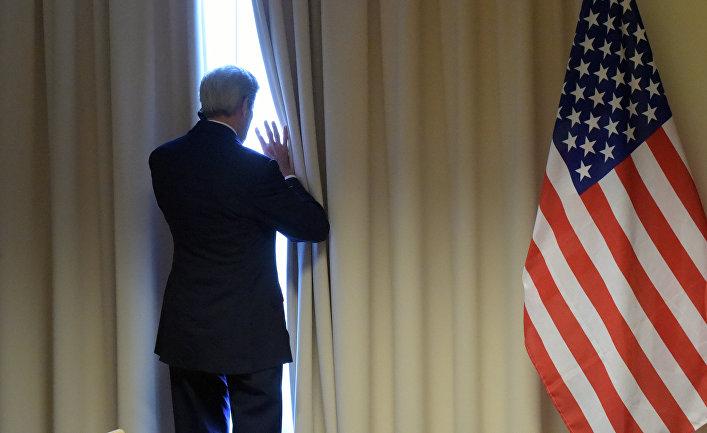 Государственный секретарь США Джон Керри перед встречей с министром иностранных дел РФ Сергеем Лавровым