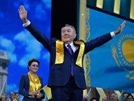 Нурсултан Назарбаев на праздничном концерте в Астане в честь его победы на президентских выборах