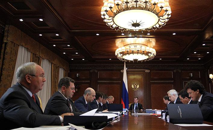 Д.Медведев провел заседание наблюдательного совета Внешэкономбанка